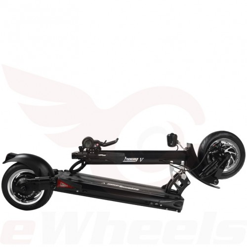 Speedway V, Black. Folded