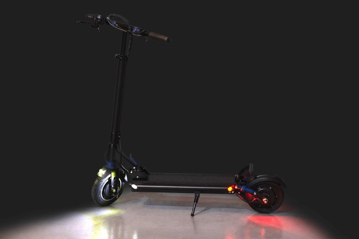 Turbowheel Swift Scooter Dark backdrop